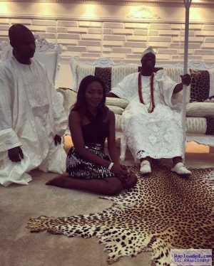 Photo: Singer Simi Visits Oni Of Ife